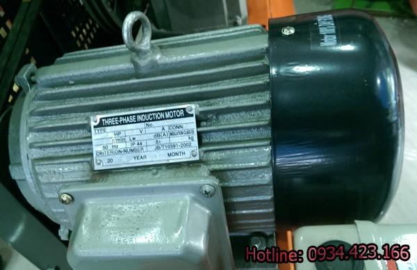 may-nen-khi-cong-nghiep-120-lit-5-600x388