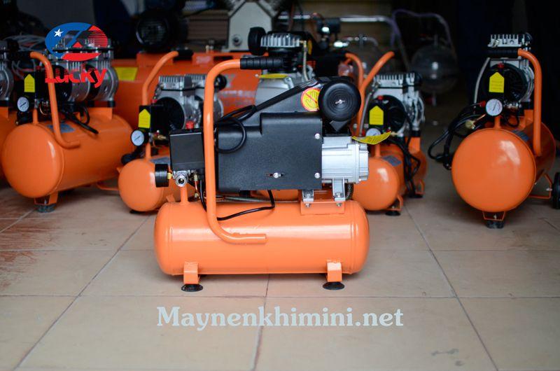 máy bơm hơi mini điện 220v