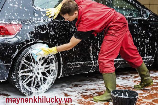 cần thợ rửa xe