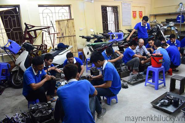 dạy nghề sửa xe máy
